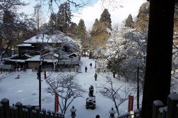 O-Fudo-Sama from the steps of Temporin-ji