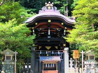 境内にある白幡神社