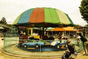 <p>Kid&#39;s cars</p>