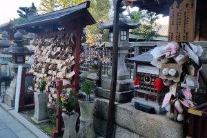 Prayer tablets at Jison-in