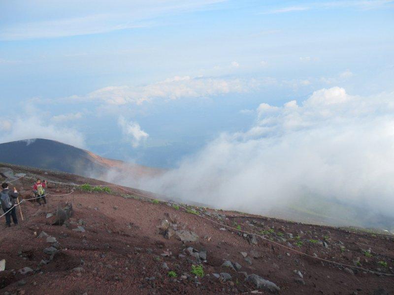 Climbing Fuji-san