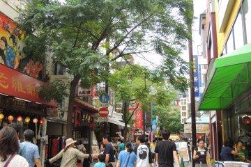 Main street of Yokohama Chinatown
