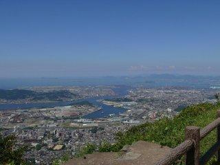 Pemandangan lain dari Gunung Sarakura