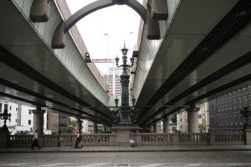 桥体同样造型独特