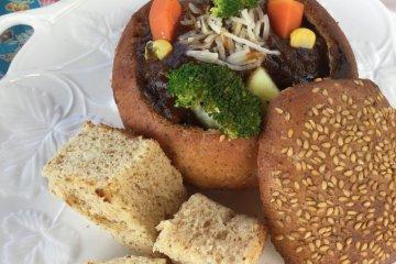 鲜嫩牛肉炖自制面包