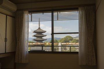 A room with a view at Higashiyama-so Ryokan Kiyomizu.Waking to see Yasaka Pagoda each morning is such a pleasure