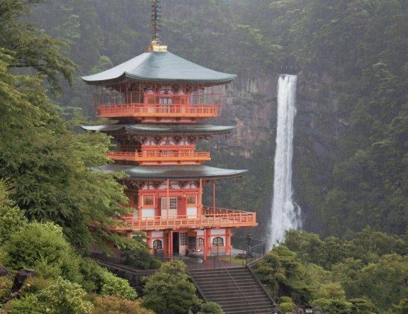 A Journey From Kyoto to Wakayama