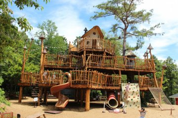 Hemulen's playground is one of the attractions in the park that doesn't have an extra charge. It is very popular with children. Apart from the tree house pictured, there is a large chalk board, a merry-go-round and swings.
