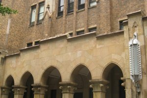古雅的东大教学楼