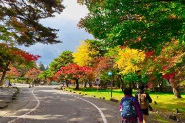 Walking to Tsurugajo Castle