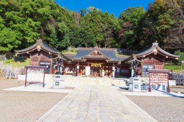 Gokoku Shrine, Mt Shinobu