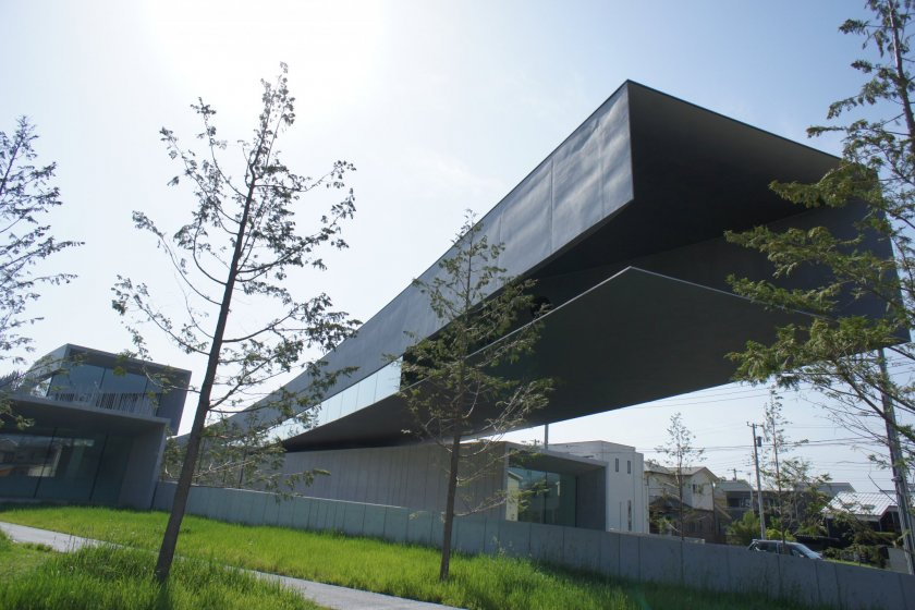 The Hoki Museum is Japan\'s first museum dedicated to the Realist genre