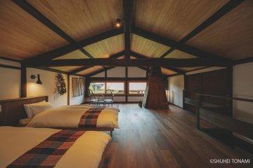 Shibumichi Farmhouse bedroom