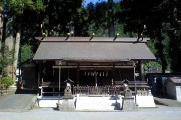 Okutama Town - Temples & Shrines