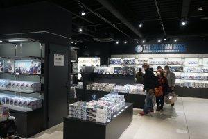 The souvenir store, The Gundam Base