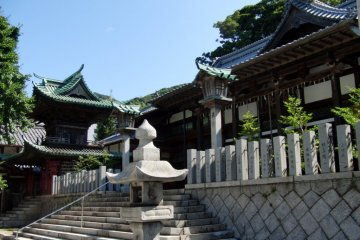 Koso Hachiman Shrine and World Peace Pagoda