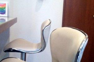 Comfortable counter seats