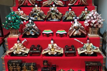 This Hina-matsuri display features the Tachibana. Spot the tree on the left side.