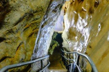Пещера Югэндо