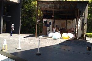 The outdoor theatre set