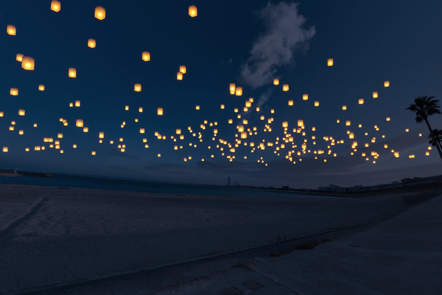 Around 1000 lanterns will decorate the beach and will be released all at once