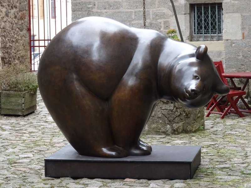 An example of Pompon's sculpture work in France