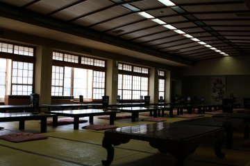 Expect this dining hall to be bustling with guests in yukatas