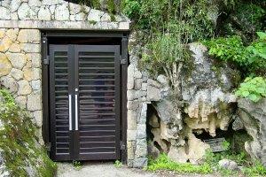 An unassuming entrance