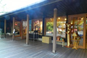 Gift stores with beautiful goods from here and abroad.