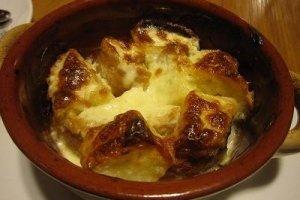 4種のチーズとパンのグラタン(小)。美味しい