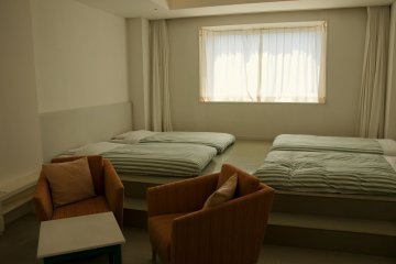 A spacious room in Virport