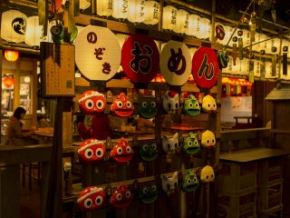 Маски - популярная покупка во время Нацу Мацури (летних фестивалей)