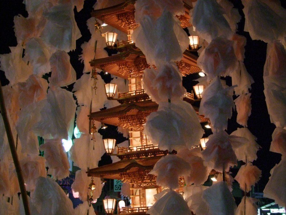 Mando lantern decorated with cherry blossoms