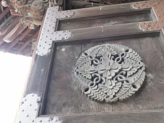 The temple's beautiful main gate
