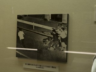 This depictions of gun battle was something extremely interesting at the Metropolitan Police Museum at Kyobashi