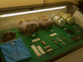 This exhibition displayed confiscated Yazuka goods at the Metropolitan Police Museum at Kyobashi