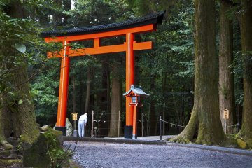 Bow before entering through the torii gate. The inner part of the shrine is a holy place, a place for enshrined Gods. You should show the appropriate respect.