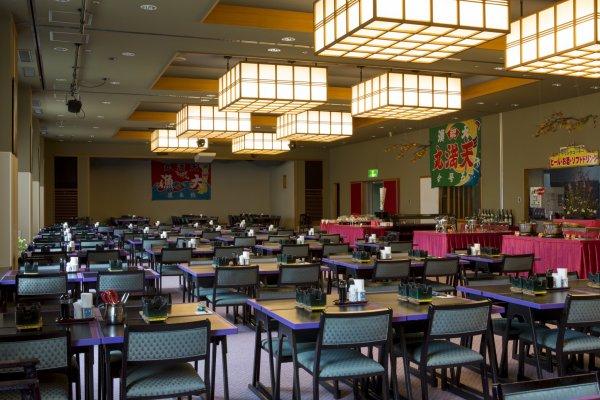 ห้องทานอาหารมอบความสำราญให้ทั้งมื้อแรกและมื้อสุดท้ายของวัน