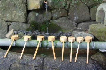 Water fountain, Isonokami shrine
