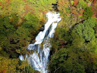 가을의 기리후리노타키 폭포