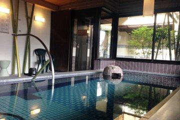 Relax in the indoor hotsprings
