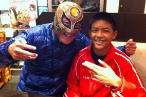 It's Masukudo Cocoichi (Masked Coco Ichi)! His visit made my son's day