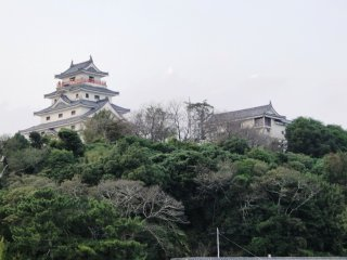 Karatsu Castle overlooking the sea