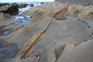この日、この岩には私一人。義経はここに座ったのだろうか、などと妄想を逞しくしながらの刹那を存分に愉しめた