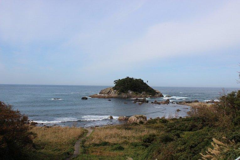 越前海岸「亀島(がめじま)」