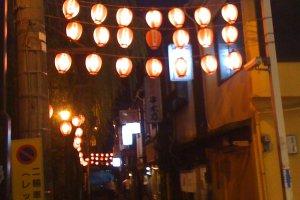 The entrance to Nonbei Yokocho