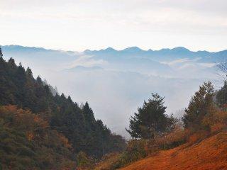 Paysage mystique sur les montagnes depuis le Parc Muse