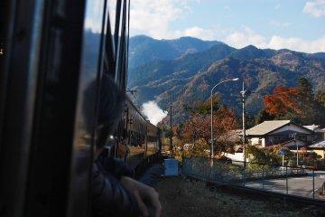Watch the beautiful scenery of Chichibu's rural landscape