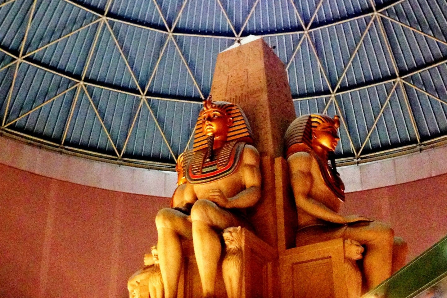 Be watched by the Pharaohsat the Next Treasures of the World at the Kispa La Park Entertainment and Commercial Centre in Kishiwada