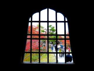 Window of Kaizan-do Hall